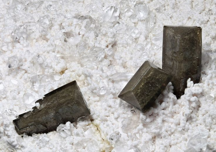 Olmite and oyelite, Nchwanin2 KMF