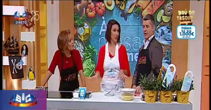 """Hoje foi a vez de Fernanda Freitas nos fazer companhia no """"À Mesa.Come""""! Preparou uma Omelete no Forno com Couscous e uma Nuvem de Iogurte Grego e Frutos Vermelhos!"""
