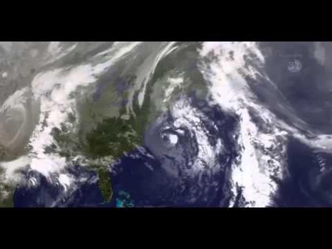 """vídeo da """"Tempestade Perfeita"""" de 1991, mostra como os restos do furacão Grace foram absorvidos por uma tempestade de baixa pressão, ou de noroeste, à beira de uma frente fria. Previsões meteorológicas prevêem que algo semelhante pode acontecer com o atual furacão Sandy."""