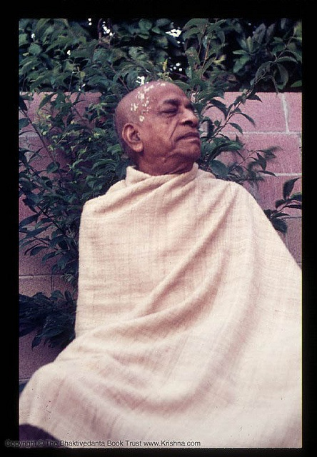 There are no hard and fast rules for chanting the Hare Krishna maha-mantra.    One can chant anywhere, anytime, in any situation.    In fact, the Caitanya-caritamrta (Antya-lila, 20.18) describes that chanting the holy name at any time or place, even dur