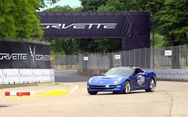 2014 Chevy Corvette Stingray pace car wows at Belle Isle Grand Prix