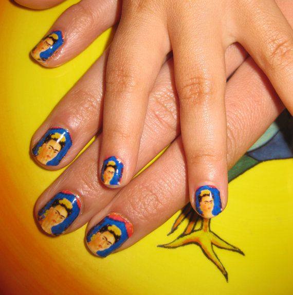 Frida Khalo Nails: Peacock Feathers, Decals Mexifabul, Nail Decals, Nails Art, Incredible Artists, Mexifabul Frida, Incr Artists, Frida Kahlo, Nails Decals