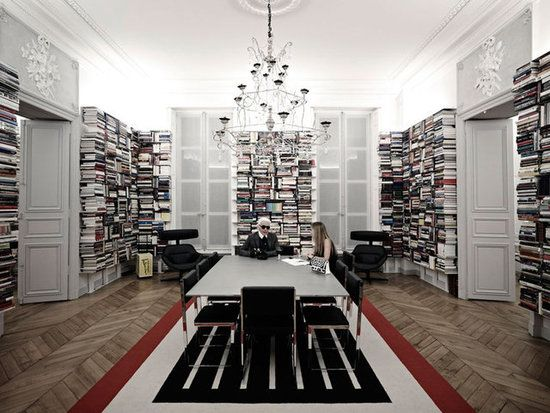 Karl Lagerfelds Library: