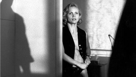 """Renée Soutendijk in """"De Flat"""" (1994)."""