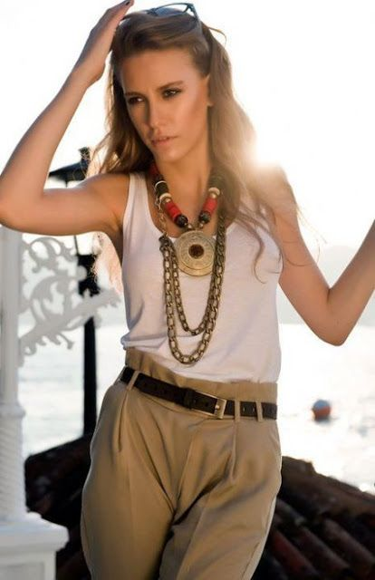 Serenay Sarıkaya please follow me,thank you i will refollow you later