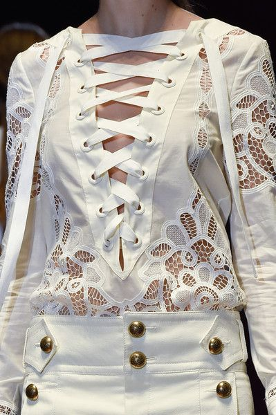 Gucci Spring 2015, Milan FW ~details : lovely lace and laces