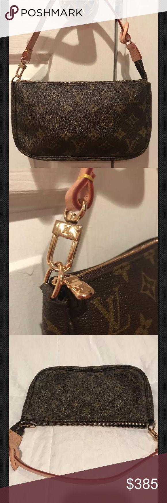 Louis Vuitton monogram canvas pochette In new condition Louis Vuitton Bags Mini Bags