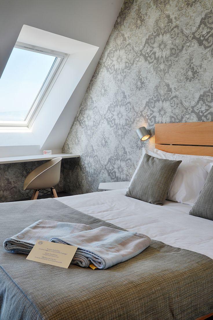 Oltre 25 fantastiche idee su camera con divano letto su - Abbraccio letto ...