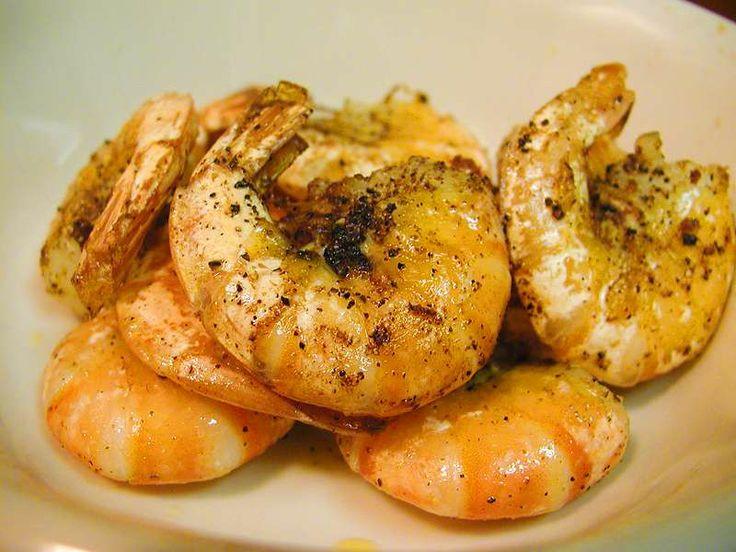 Tapa: gamba's in knoflook    De gamba-truc: lekker veel knoflook gebruiken (1 teen op 3 garnalen), bakken in olijfolie met een gesneden rode peper. Vers limoen- of citroensap persen en besprenkelen.   Rico!