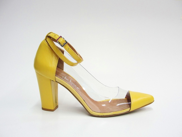 leather & PVC pump.  8,5cm block heel.