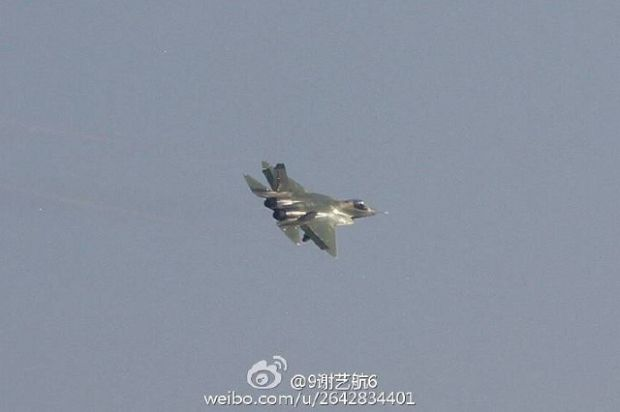 Chinese defense sites have published images of what should be the second prototype of the Shenyang FC-31 (J-31).  A major difference has emerged with this second prototype with respect to configuration of vertical tailplanks. This FC-31 has a cut tail, while the first prototype designated J-31, had an almost triangular tail with a horizontal top.  The status of the FC-31 is not clear. The J-31 was not presented at the Zhuhai Air Show in 2016.