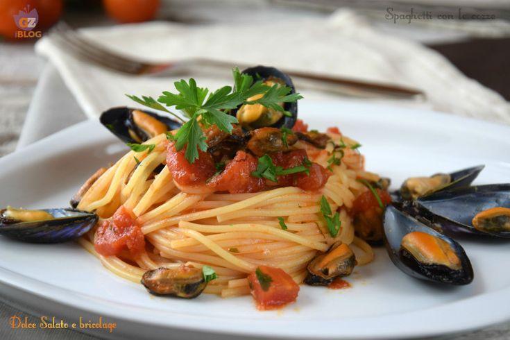 Spaghetti con le cozze. Questo fine settimana, vogliamo deliziarci con un buon primo piatto al profumo di mare