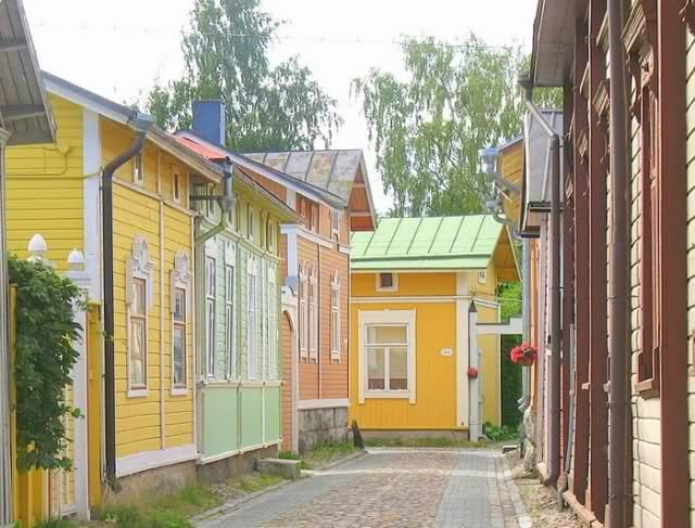 Wooden houses in Rauma, FinlandFinland Architecture, Favorite Places, Kotimaani Suomi, Inspiration Places, Southern Finland, Raka Kotimaani, Finnish Architecture, Armchairs Travel, Rauma