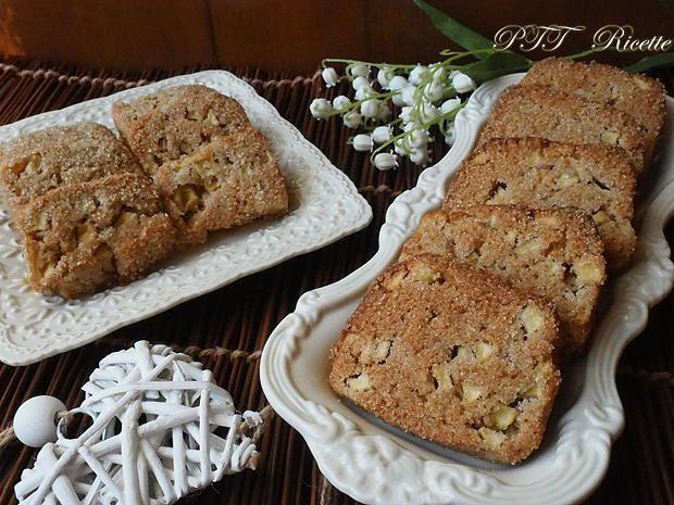Biscotti alle castagne e mele, golosi biscotti realizzati con farina di castagne e ricchi di mele.  #biscotti #pasticceria #senzaburro #senzalatte #senzalattosio #ricetta #recipe #italianfood #italianrecipe #PTTRicette