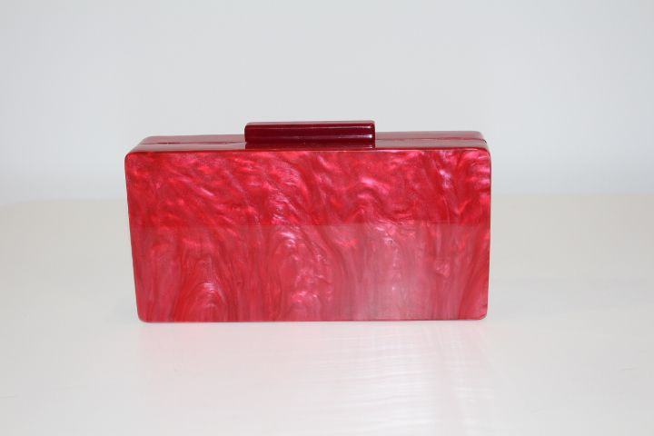 Clutch rojo efecto nácar #boda #invitada #wedding #guest #handbag