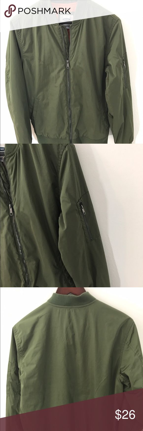 Old Navy Bomber Jacket Olive Military Coat small Old Navy Green Bomber Jacket Men's Size Small Quilted Lining Olive Military Coat. In excellent condition. Fits a small or medium Old Navy Jackets & Coats Utility Jackets
