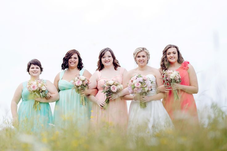 Rustic bride and bridesmaids with bouquets; Photo cred: Hillary McCormack Photography