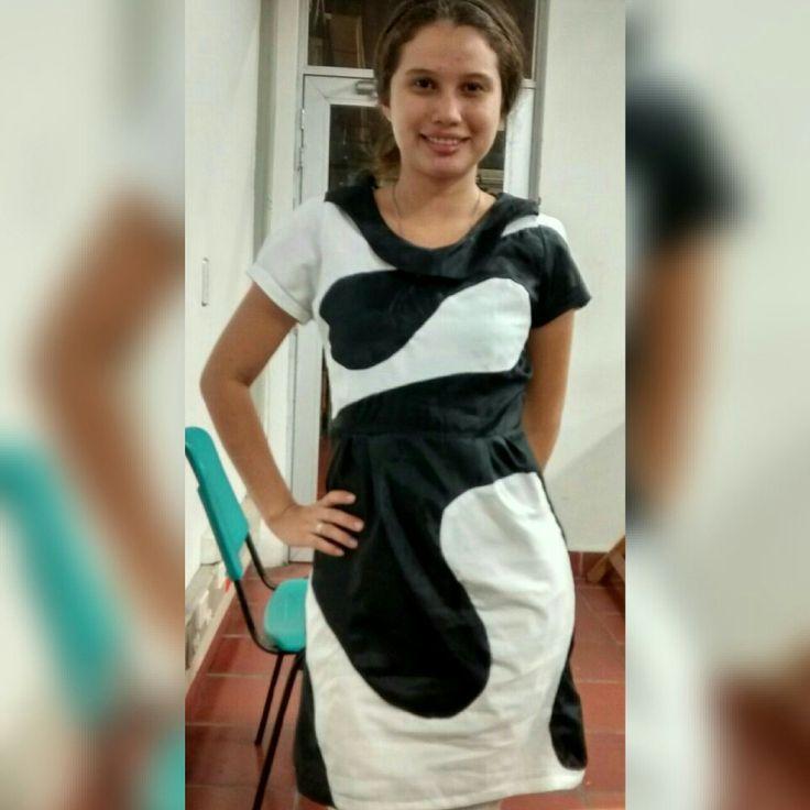 Diseño vestido asimetrico
