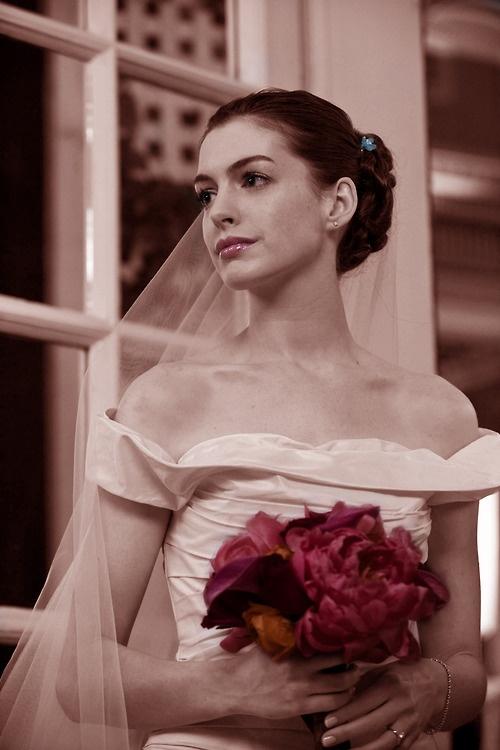 Best 25 anne hathaway wedding ideas on pinterest anne hathaway bride wars anne hathaway gorgeous fashion shot junglespirit Images