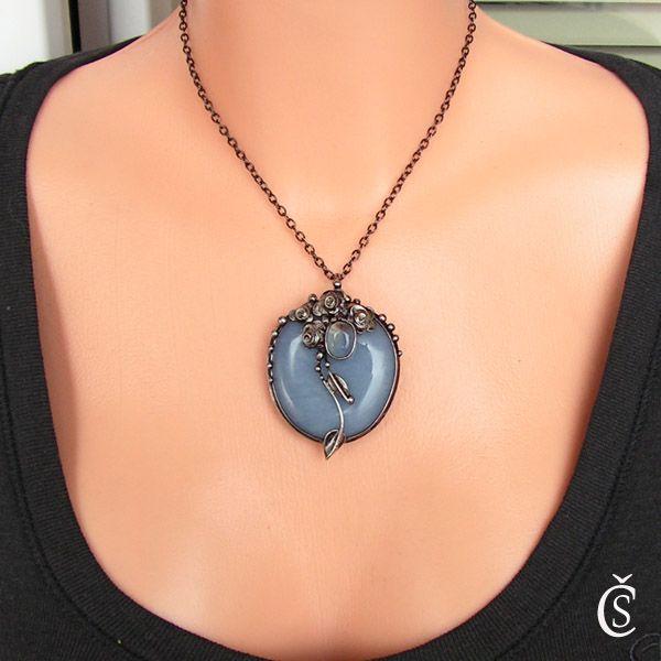 PRODÁNO | Ledová růže - Angelit, Opalit | Autorské originální ručně vyrobené šperky s minerály a kameny, cínované šperky