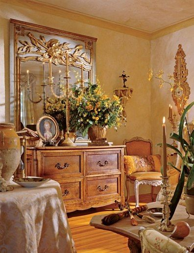 diane burn design/images   19th-century French commode is part of an artful arrangement at one ...
