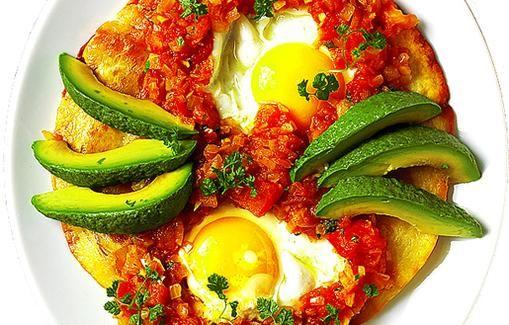 Muna-tomaattitortillat ovat Meksikossa yleistä aamiaisruokaa.