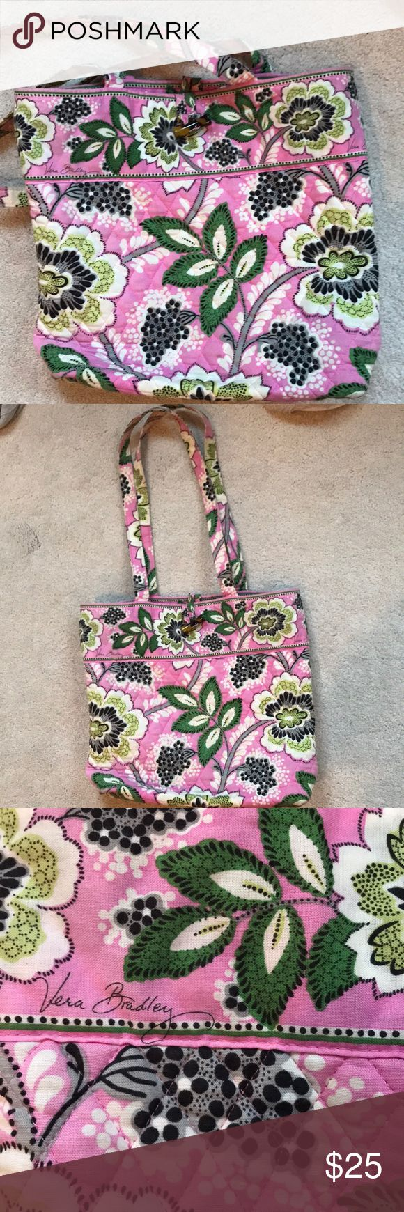 "VERA BRADLEY TOTE BAG This cute tote bag is Vera Bradley and has barely been used! Received as a gift but isn't really my style. Hits at the hip when worn (I'm 5'4""). Latch at the top, pockets inside, and comfortable cloth material. A great Christmas gift, make offers! Vera Bradley Bags Totes"