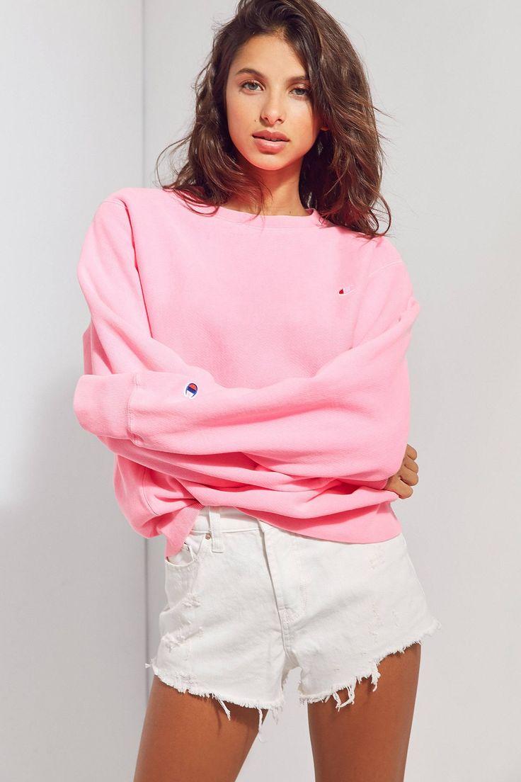 Slide View: 1: Champion + UO Pigment Dye Pullover Sweatshirt