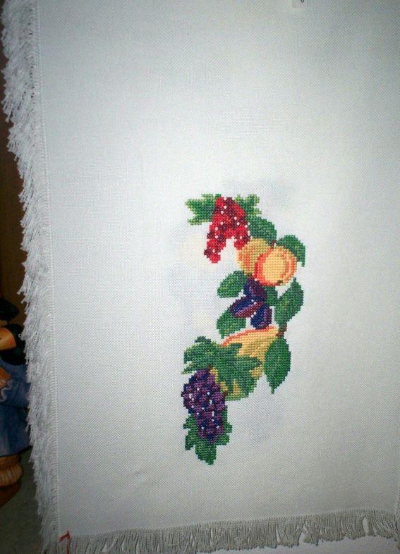 Tischläufer mit Früchten