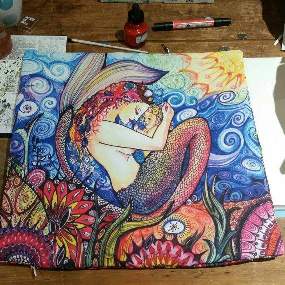 Sirène avec oreiller de bébé sirène jeter par sublimecolors sur Etsy