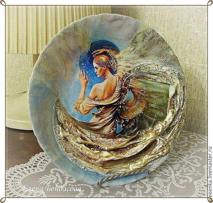 Купить Авторские декоративные тарелки - декоративная тарелка, девушка, объемный декупаж, авторская работа