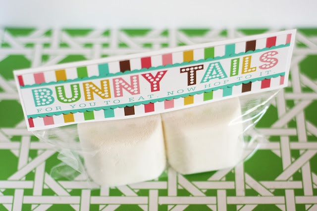 bunny tails- with free printableTail Printables, Bunnies Tail, Easter Spr, Easter Favors, Printables Labels, Easter Treats, Free Printables, Spring East, Easter Ideas