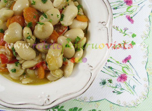 #Reteta de mancare de fasole este foarte gustoasa si hranitoare, cu efecte benefice pentru sanatate, bogata in proteine si carbohidrati.