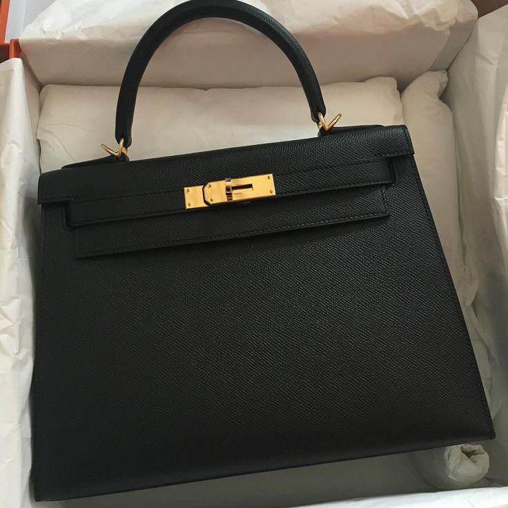 Hermes kelly 28 Black gold hardware