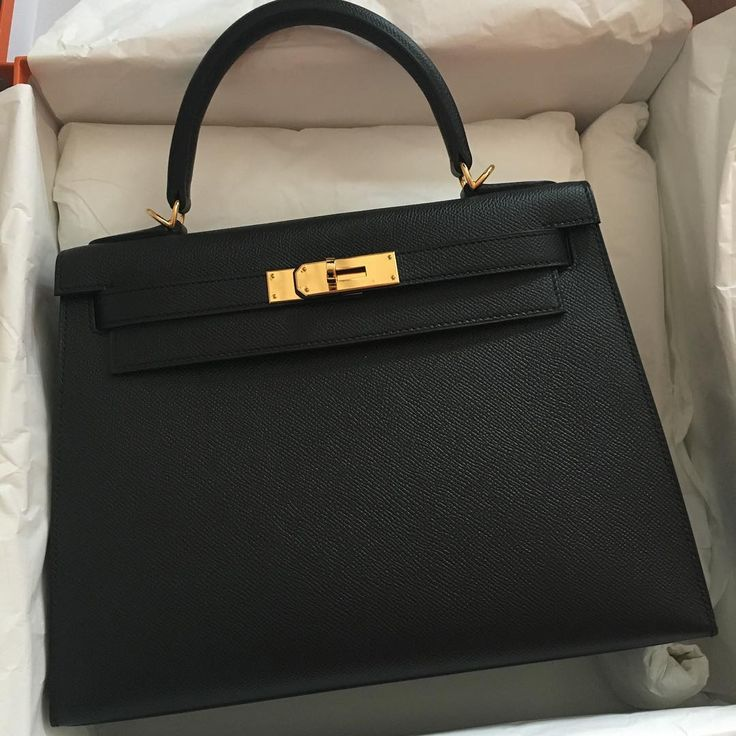 Hermes kelly 28 Black gold hardware