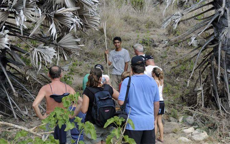 Op pad met een lokale ranger op Komodo Eiland!