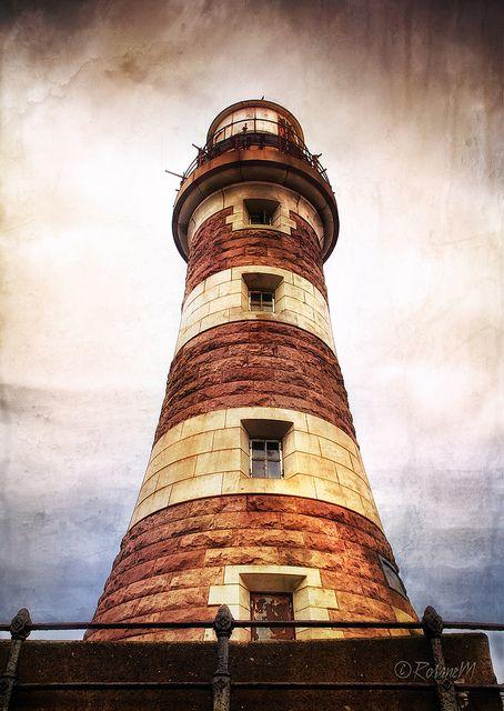 Roker Lighthouse by Rosane Miller on Flickr.