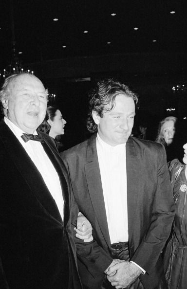 UNITED STATES - JUNE 01:  Robin Williams and John Houseman  (Photo by The LIFE Picture Collection/Getty Images)