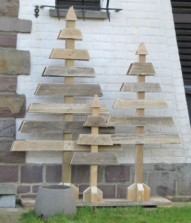 Cute wooden Christmas trees #DIY #recycle #inspiration