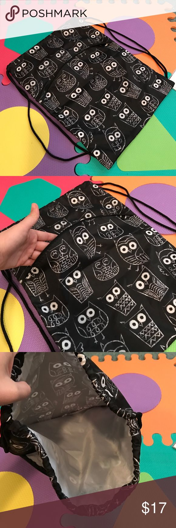 Owl cinch sack NWOT Brand new owl cinch sack just selling before next seasons prints come out! Quality fabric makes it pretty water proof and cute pattern is great for kids Thirty-One Accessories Bags