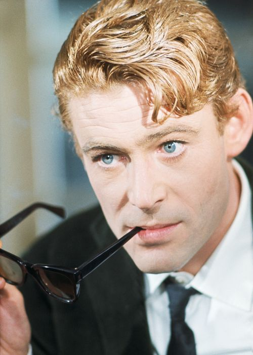 Peter O'Toole reminds me of my father .. In some way they look a like.
