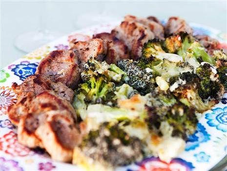 Fläskfilé med broccoligratäng 4 port  1757 kcal (439 kcal/port)