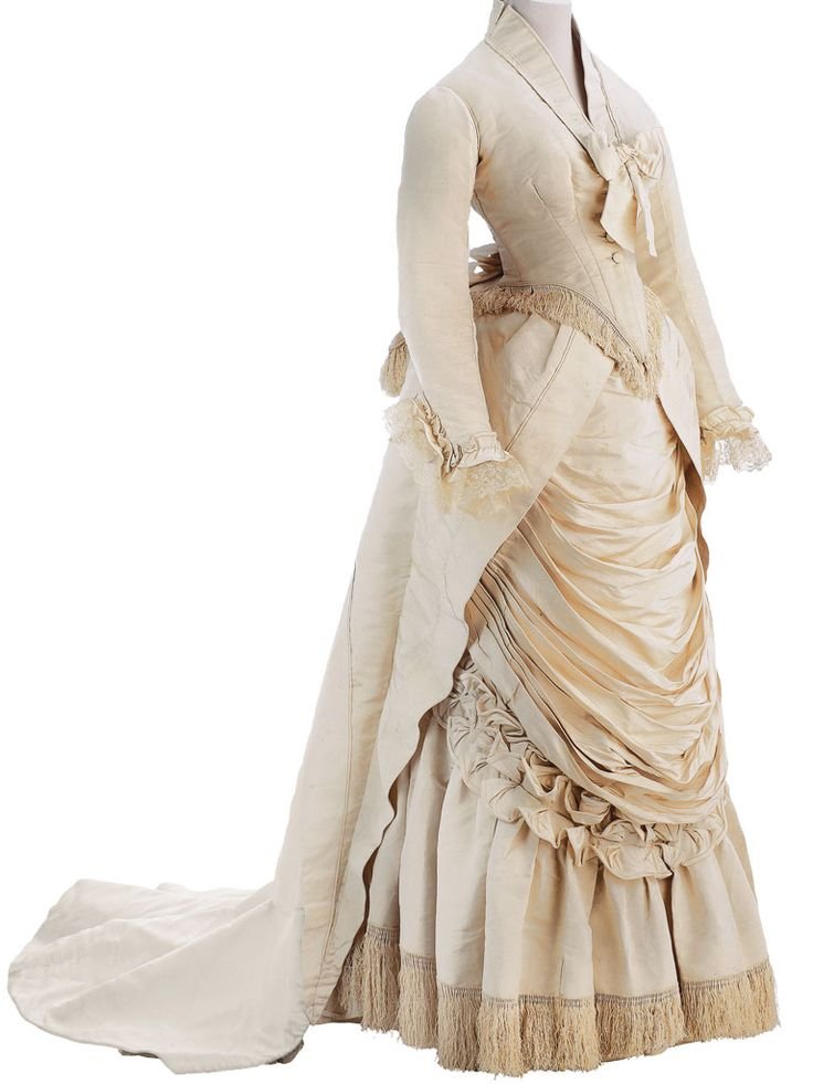 Worth dress ca. 1875    From the Museo de la Moda
