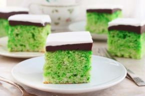 St. Patrick's Day Cake - Chef: Imperial Sugar #SweetestSpring