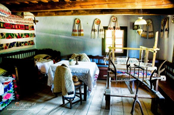 Traditional-romanian-houses-interior Astra museum, Sibiu http://bogdandanphotography.wordpress.com/2013/09/11/dumbrava-minunata/