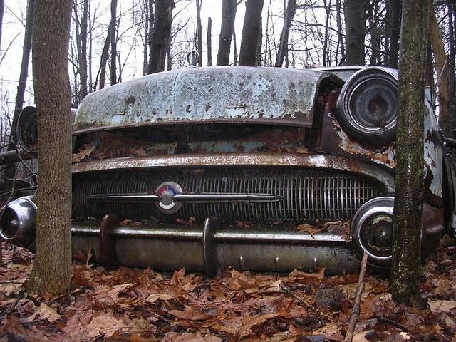 dc1d628487d69dd0b572028e07966f3d--abandoned-vehicles-abandoned-cars.jpg
