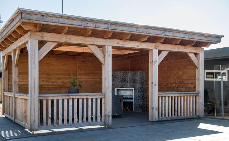 Exklusive Terrassenuberdachung Aus Holz Mit Seitenwanden Q S Gartendeco Terrasse Garten Holz Modern Uberdachung Terrasse Terrassenuberdachung Terrassendach