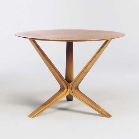Fruitwood dining table. Design Ico & Luisa Parisi   Year 1953