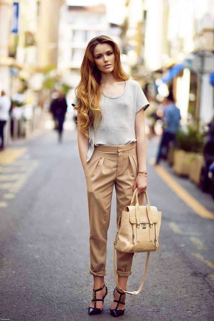 настоящее время модные образы в бежевой одежде фото главных женщинах современного