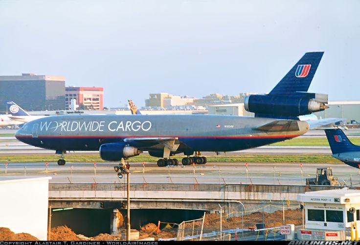 United Airlines Worldwide Cargo McDonnell Douglas DC-10-30 ...